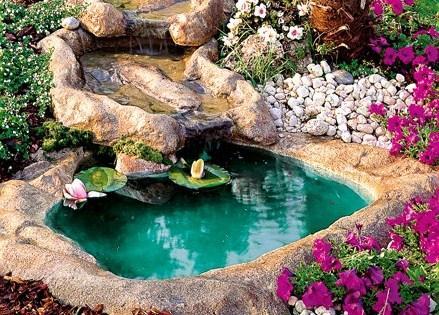 Laghetti ornamentali for Cascate laghetti da giardino